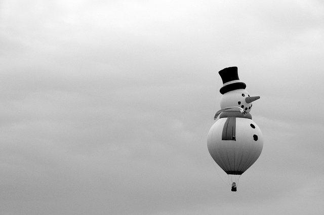 hot air balloon snowman