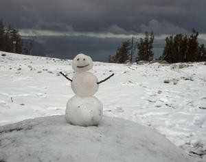 heavenly lake tahoe snowman
